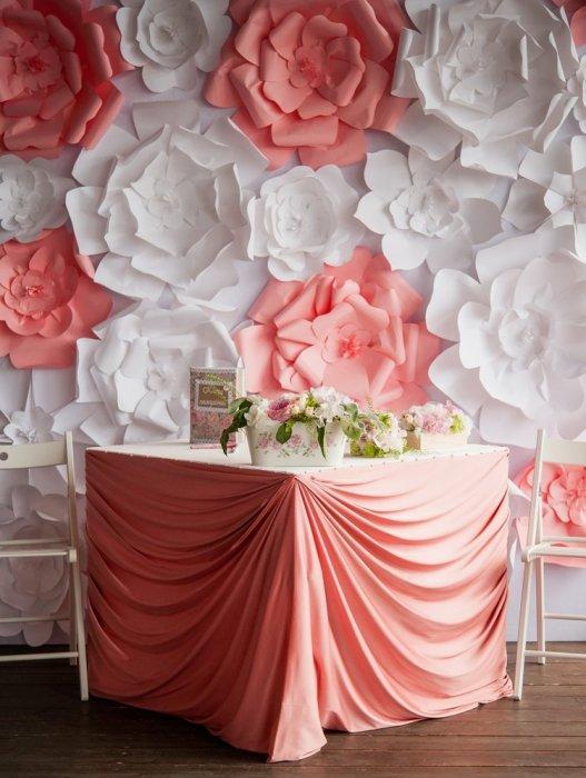 Украшение зала цветы из бумаги