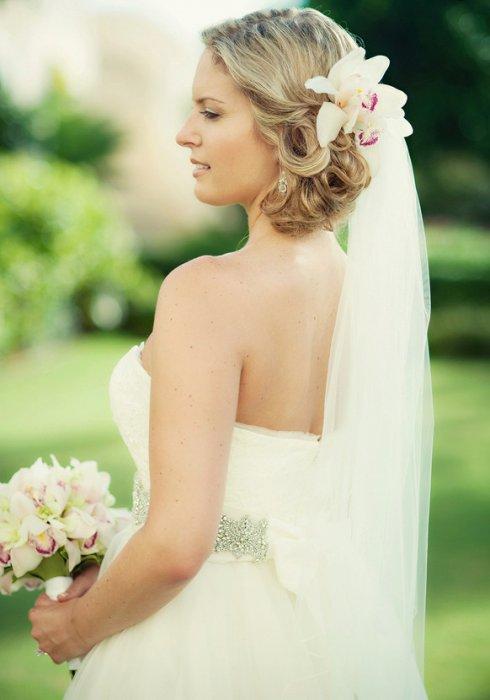 Цветы живые в прическу невесты