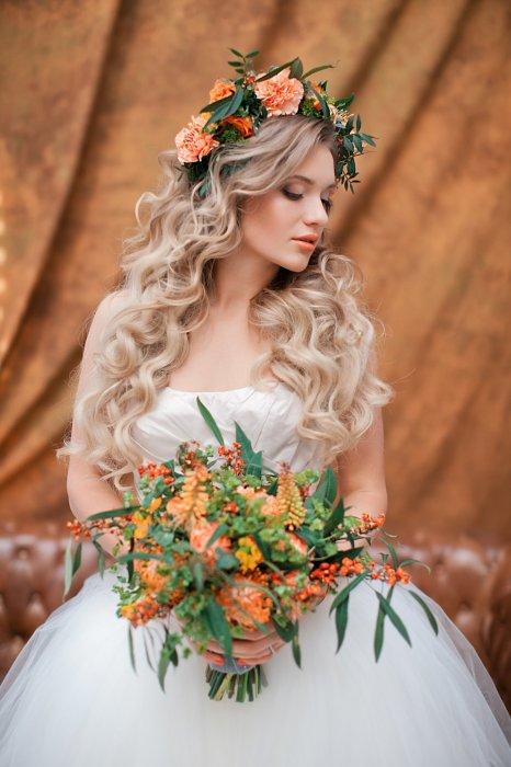 Свадебная прическа с венком