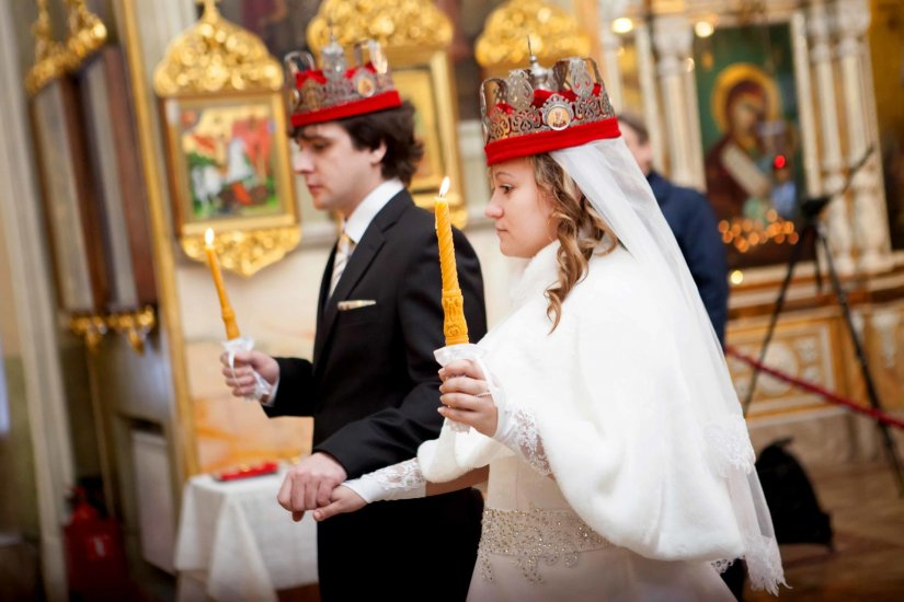 Образ молодоженов на венчании